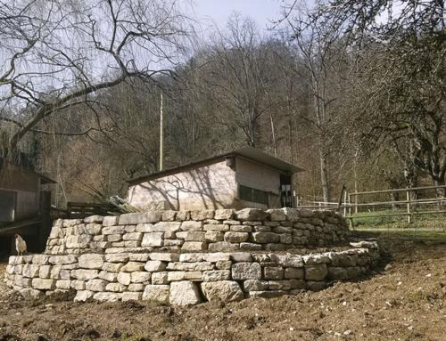 Bauabschluss der Trockensteinmauer